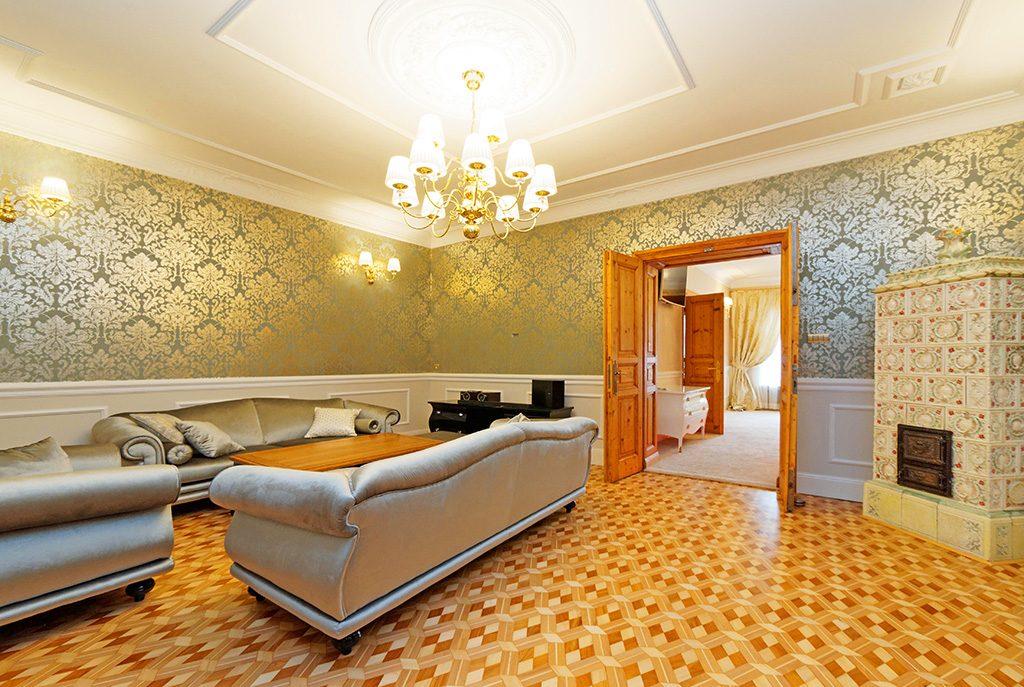wytworny i elegancki salon w ekskluzywnym apartamencie do wynajęcia w Tarnowie