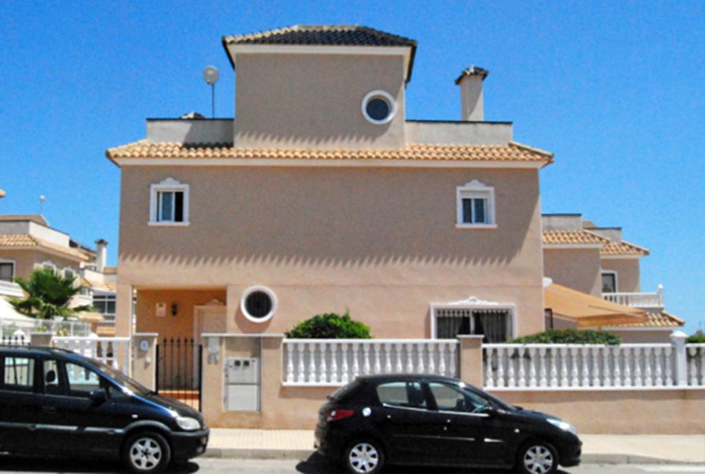 front ekskluzywnej willi do sprzedaży w Hiszpanii