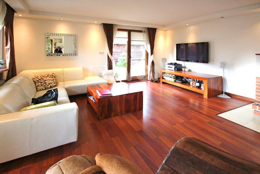 fragment komfortowego i prestiżowego salonu w luksusowym apartamencie w Szczecinie na wynajem