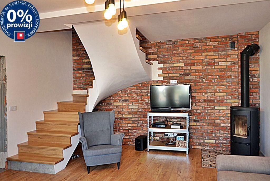 nowoczesny salon w ekskluzywnym apartamencie do sprzedaży w Bolesławcu