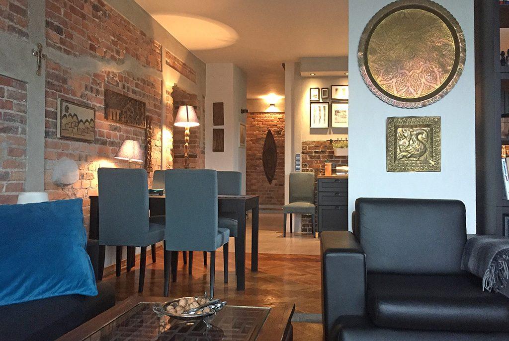 komfortowo urządzone wnętrze ekskluzywnego apartamentu do sprzedaży w Katowicach