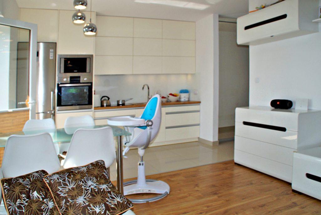 ekskluzywna kuchnia w luksusowym apartamencie do sprzedaży w Słupsku