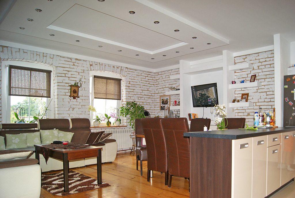 prestiżowy salon w ekskluzywnym apartamencie do sprzedaży w okolicach Żagania