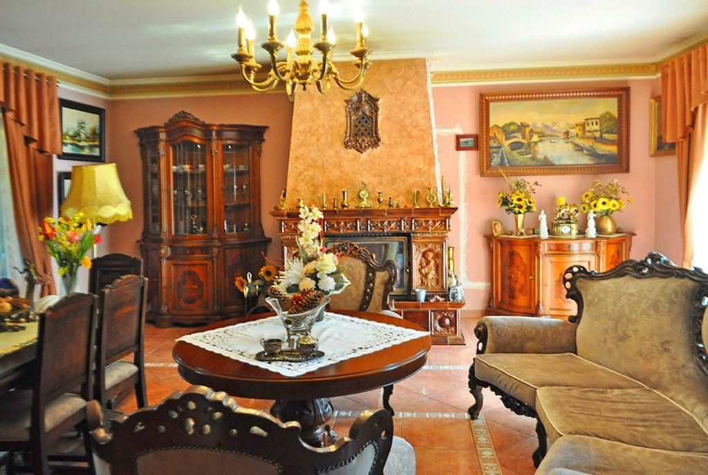 stylowe i eleganckie wnętrze ekskluzywnej willi do sprzedaży w okolicach Wałcza