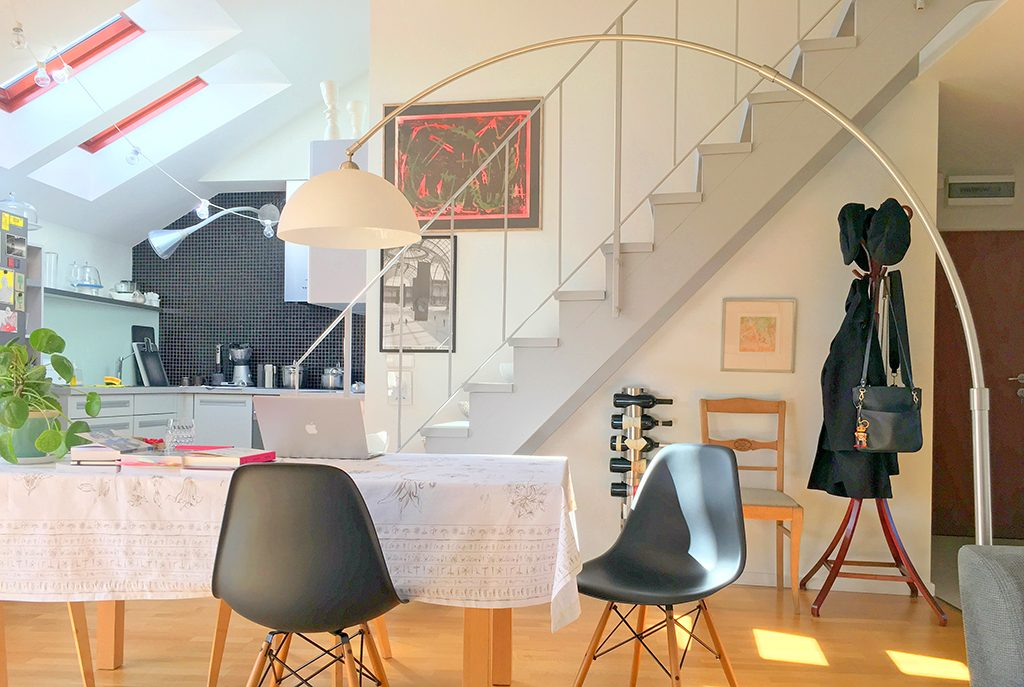 zaprojektowane w nowoczesnym designie wnętrze ekskluzywnego apartamentu do sprzedaży we Wrocławiu