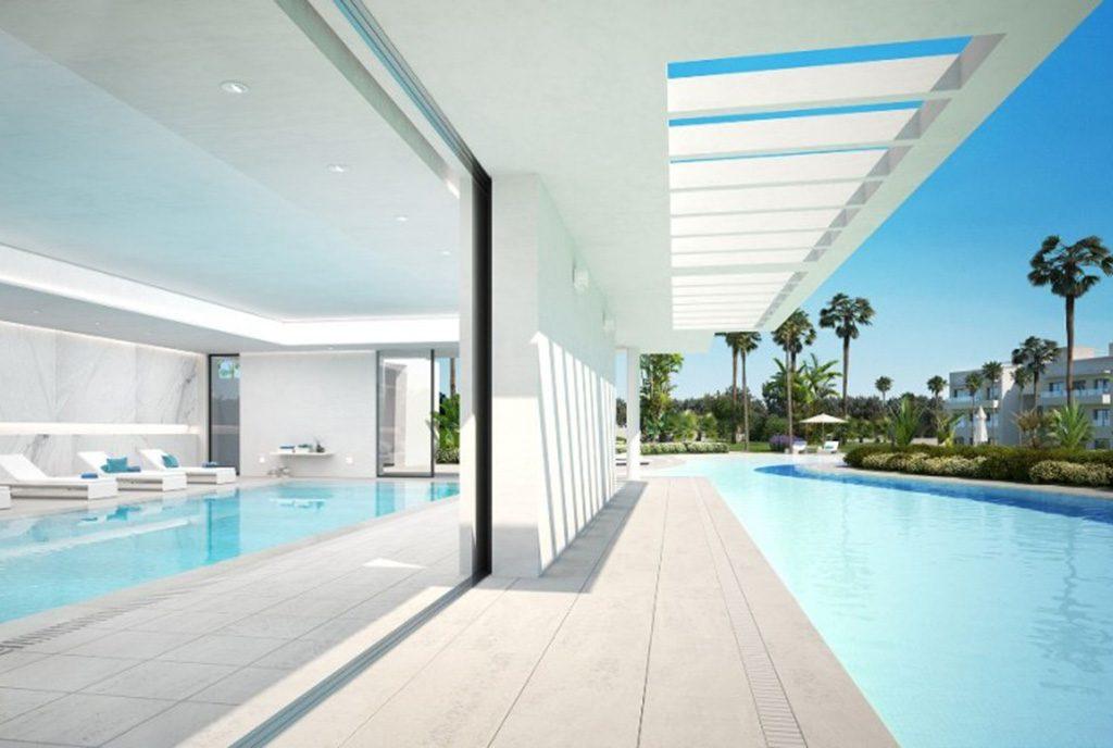 luksusowy taras z basenem przy ekskluzywnym apartamencie do sprzedaży Hiszpania