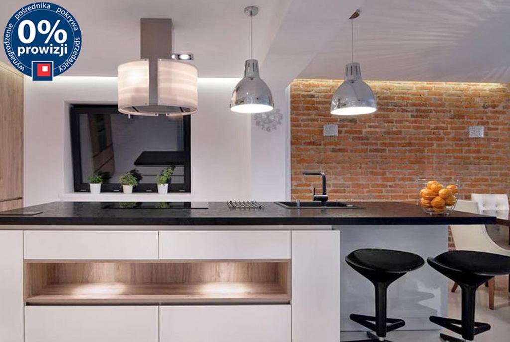 nowocześnie umeblowana i urządzona kuchnia w luksusowej willi do sprzedaży Wrocław (okolice)