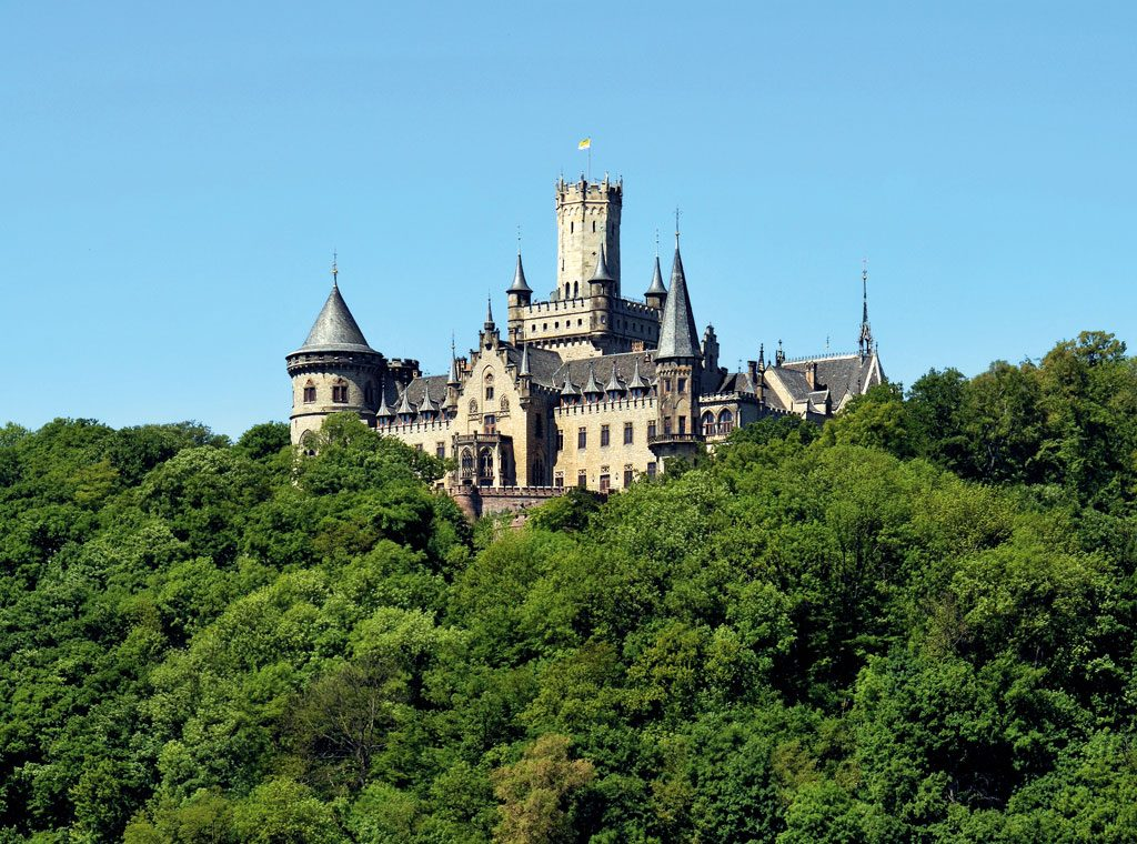 Zamek Marienburg wystawiony na sprzedaż