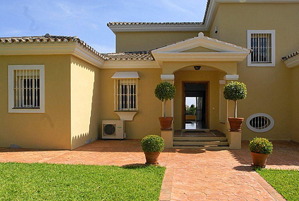 front ekskluzywnej willi do sprzedaży Hiszpania (Costa del Sol, Malaga)