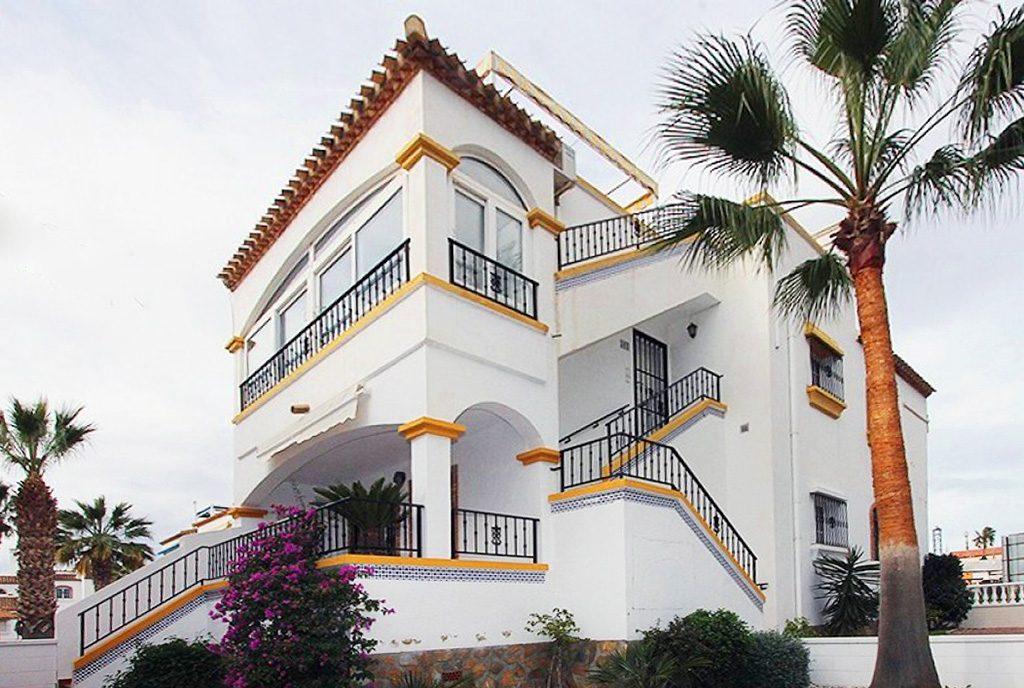 ekskluzywna bryła luksusowej willi do sprzedaży Hiszpania (Costa Blanca, Torrevieja)