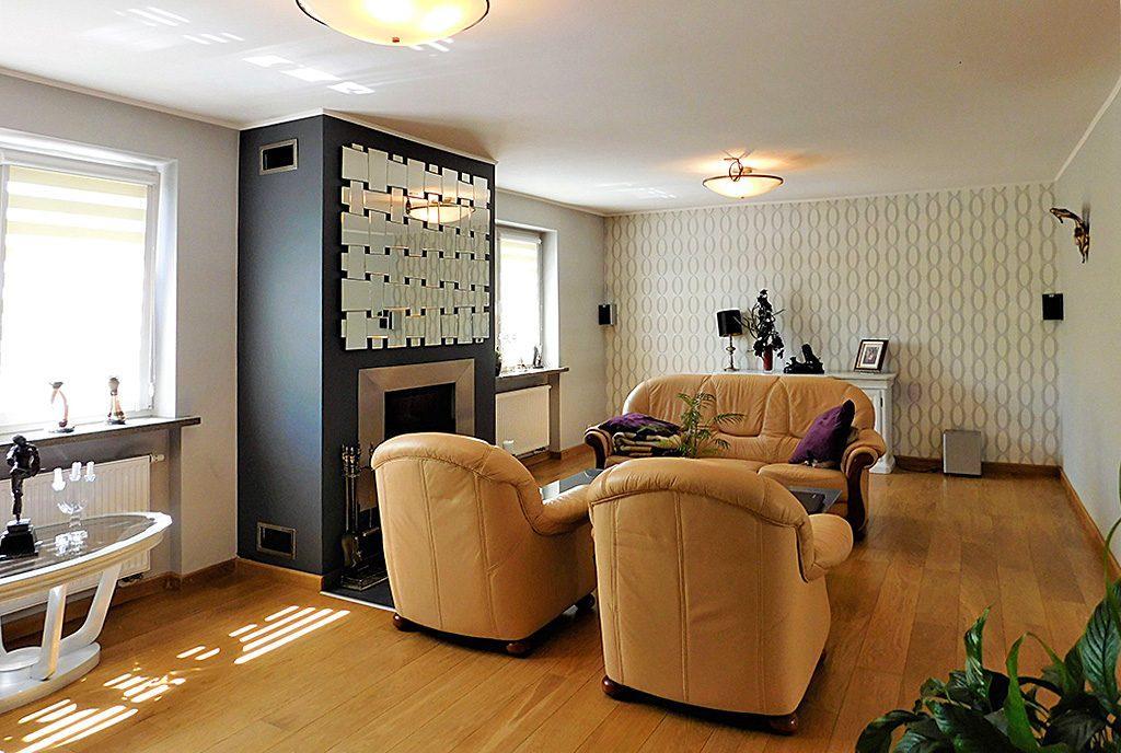 komfortowy salon w ekskluzywnej willi do sprzedaży Wrocław (okolice)