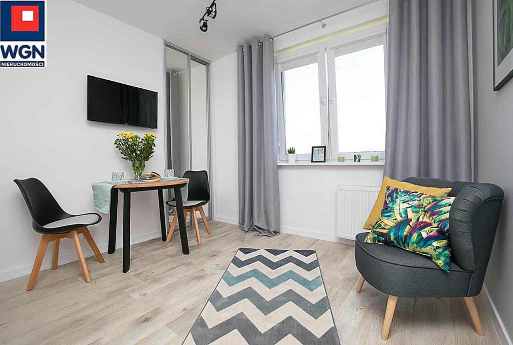 komfortowy salon w ekskluzywnym apartamencie do sprzedaży Gdańsk