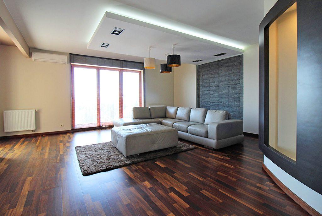 nowoczesny i prestiżowy salon w luksusowym apartamencie do wynajęcia Kraków