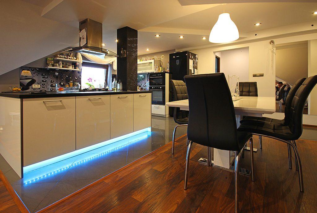 nowocześnie zaprojektowane wnętrze luksusowego apartamentu do sprzedaży Szczecin