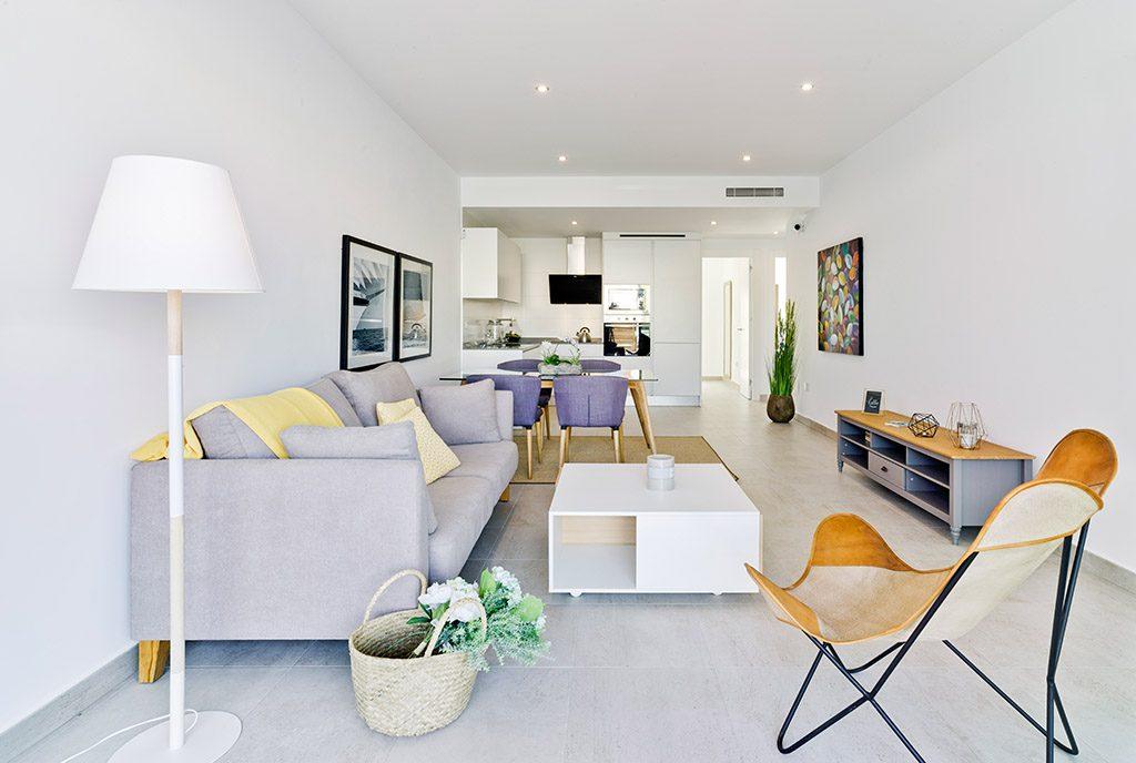 zaprojektowane w nowoczesnym style wnętrze ekskluzywnego apartamentu do sprzedaży Hiszpania (Pilar De La Horadad)