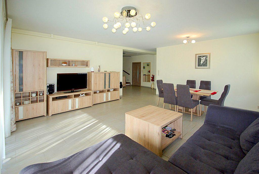 prestiżowy salon w luksusowej willi do sprzedaży Legnica (okolice)