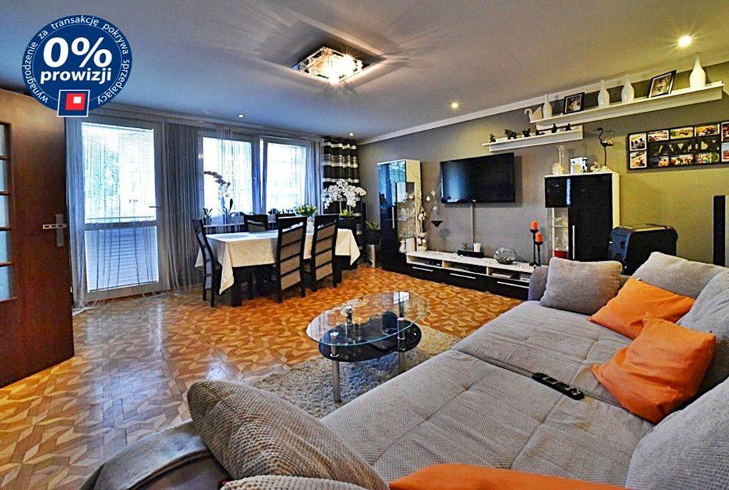 komfortowy salon w ekskluzywnym apartamencie na sprzedaż Bolesławiec