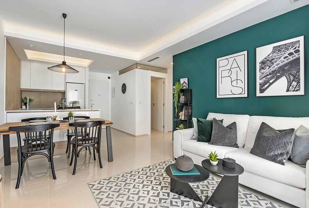 na zdjęciu eleganckie wnętrze luksusowego apartamentu na sprzedaż Hiszpania