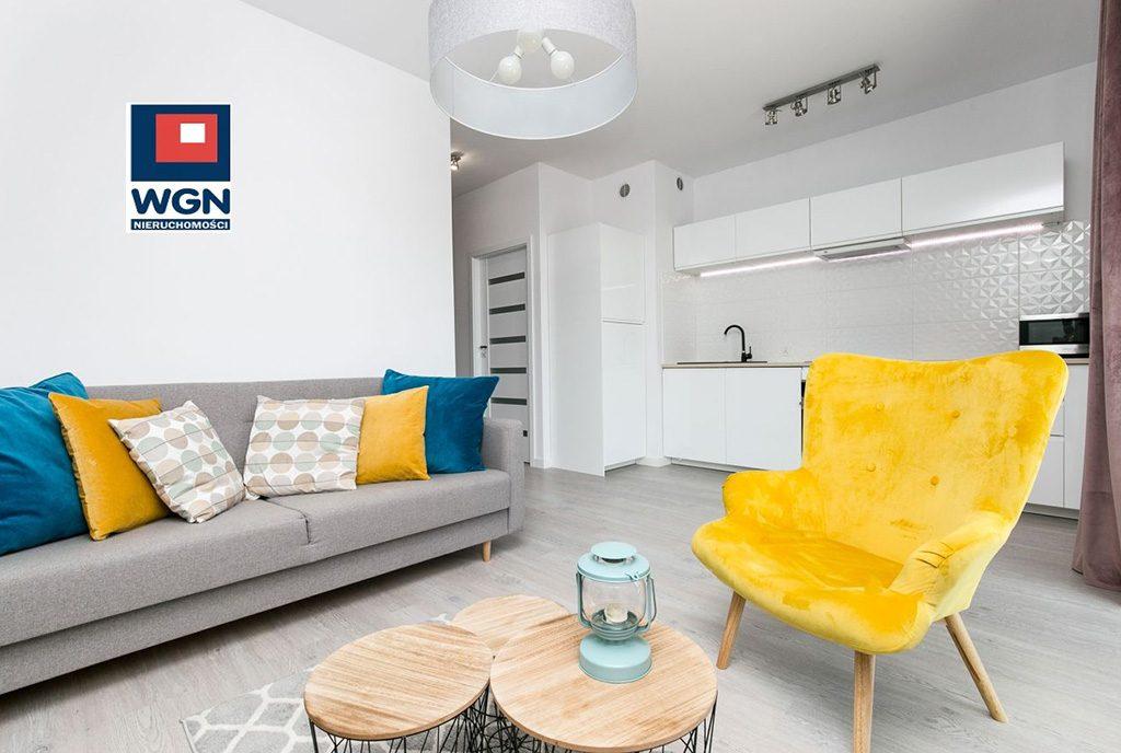 komfortowy salon w ekskluzywnym apartamencie na sprzedaż Gdańsk