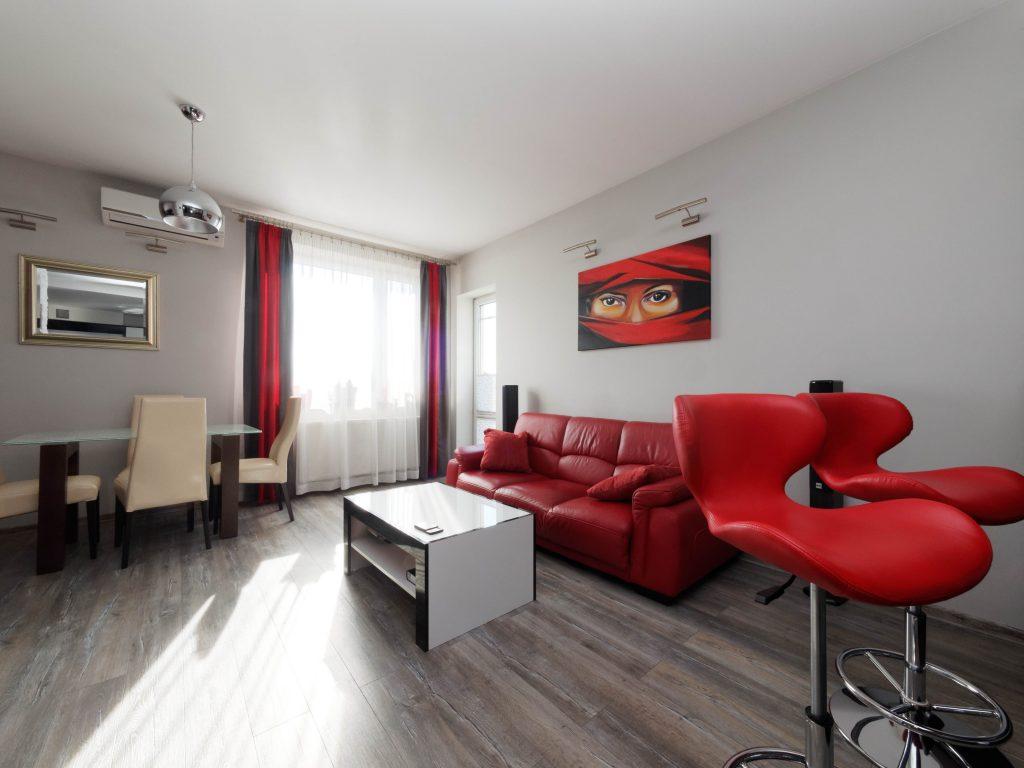 komfortowy salon w ekskluzywnym apartamencie do sprzedaży Tarnów