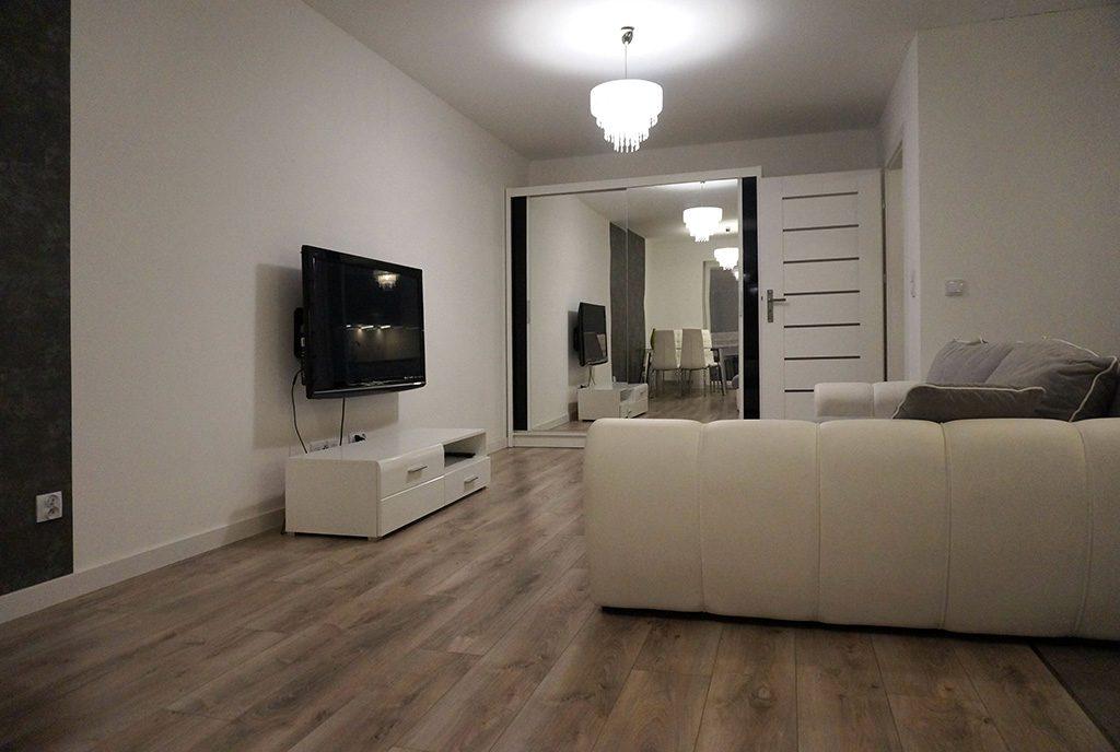 elegancki salon w luksusowym apartamencie do wynajęcia Wrocław