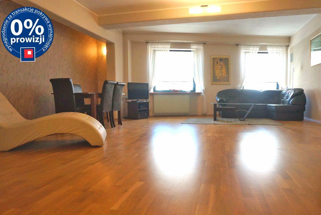 zaprojektowane w nowoczesnym designie wnętrze luksusowego apartamentu do wynajęcia Wrocław