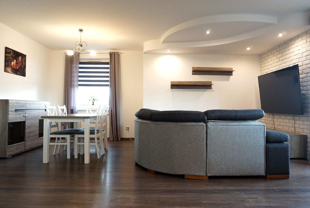 nowoczesny salon w ekskluzywnym apartamencie do sprzedaży Legnica