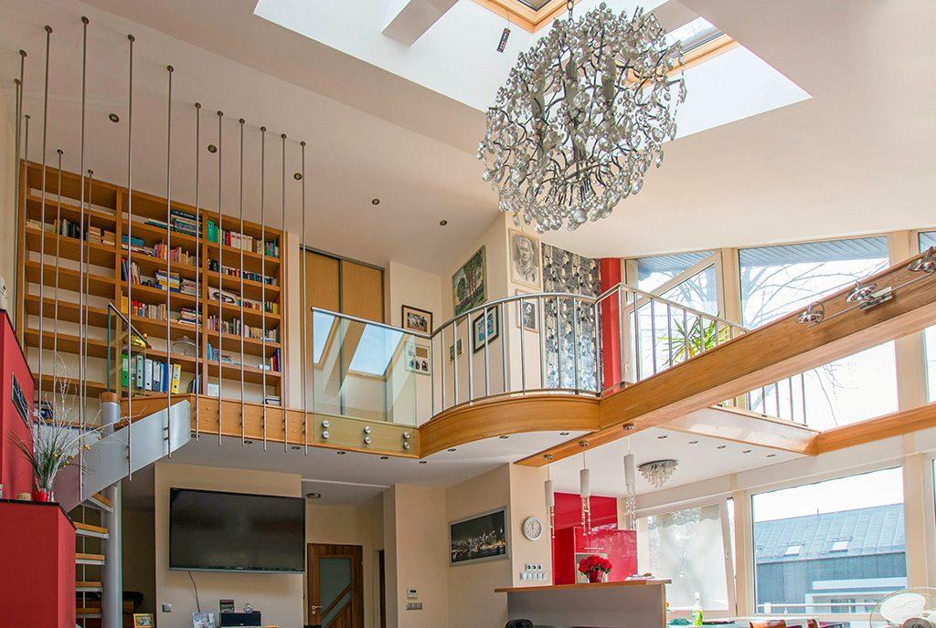 komfortowe wnętrze o dwóch poziomach w luksusowej willi na sprzedaż Poznań