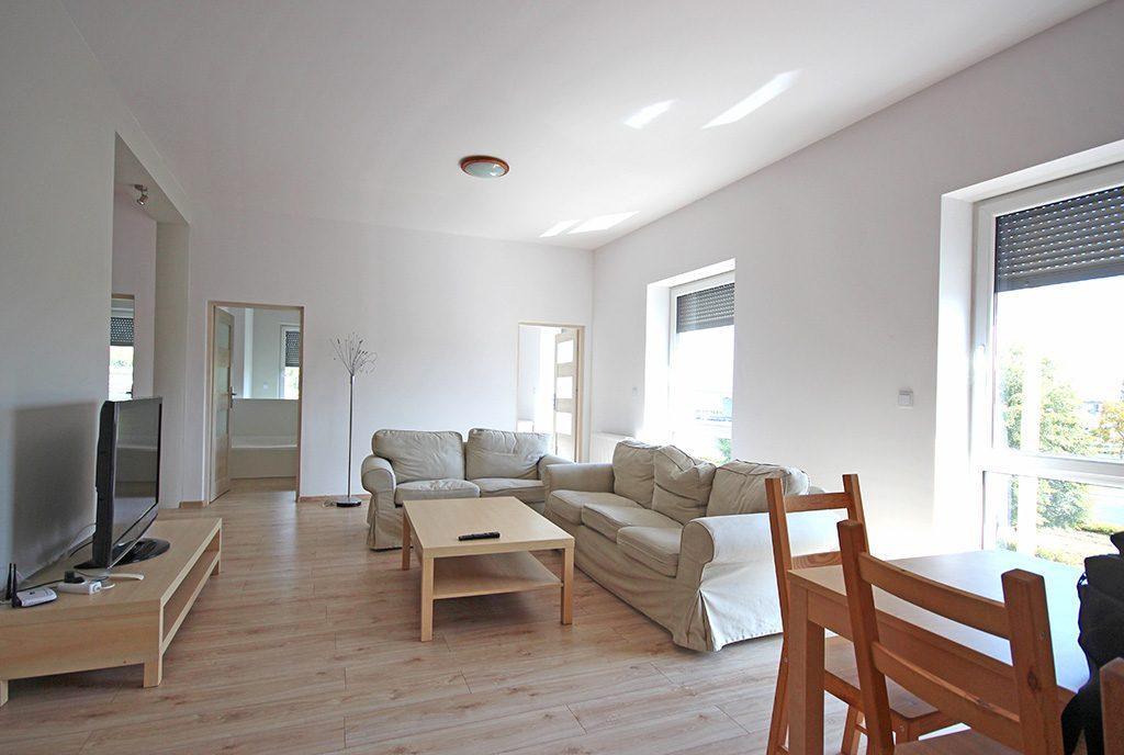 komfortowy pokój dzienny w ekskluzywnym apartamencie do wynajęcia Szczecin