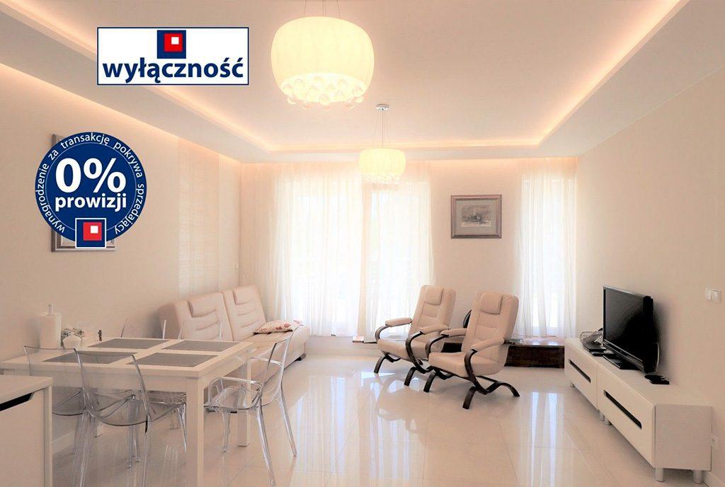nowoczesny salon w ekskluzywnym apartamencie do sprzedaży Ustroń