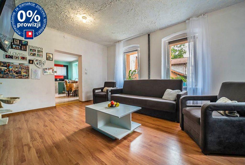 słoneczne wnętrze ekskluzywnego apartamentu do sprzedaży Bolesławiec