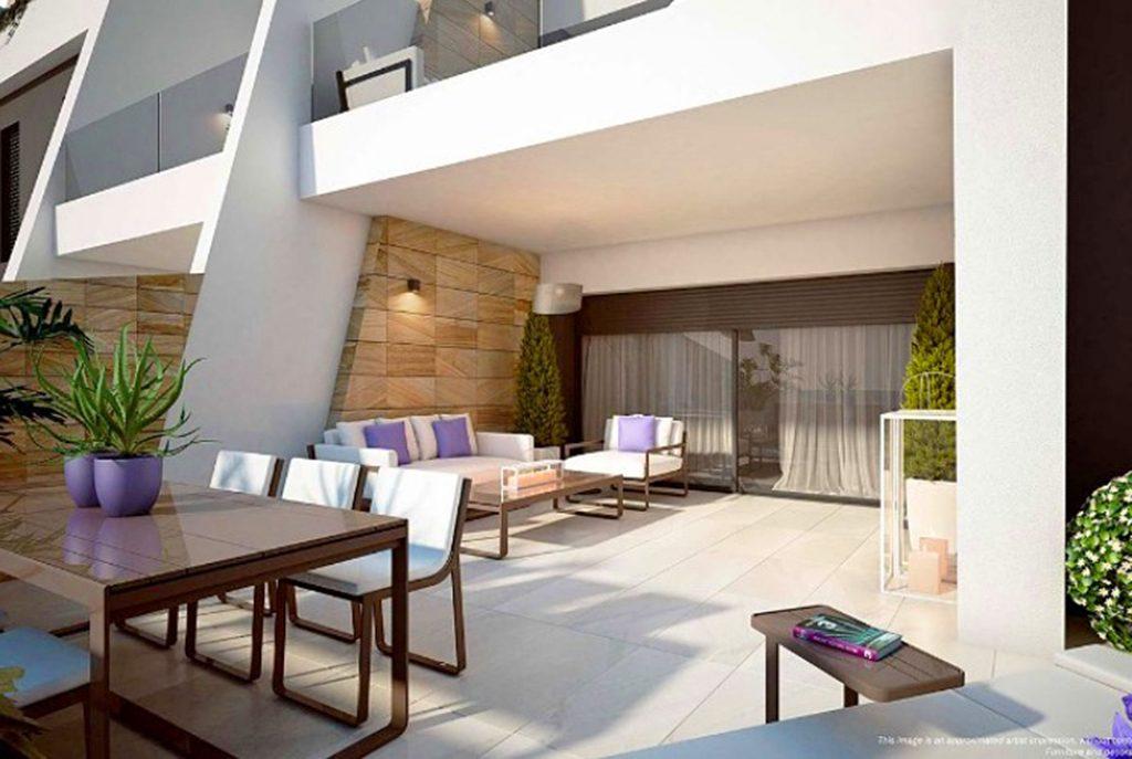 komfortowy taras przy ekskluzywnym apartamencie do sprzedaży Hiszpania