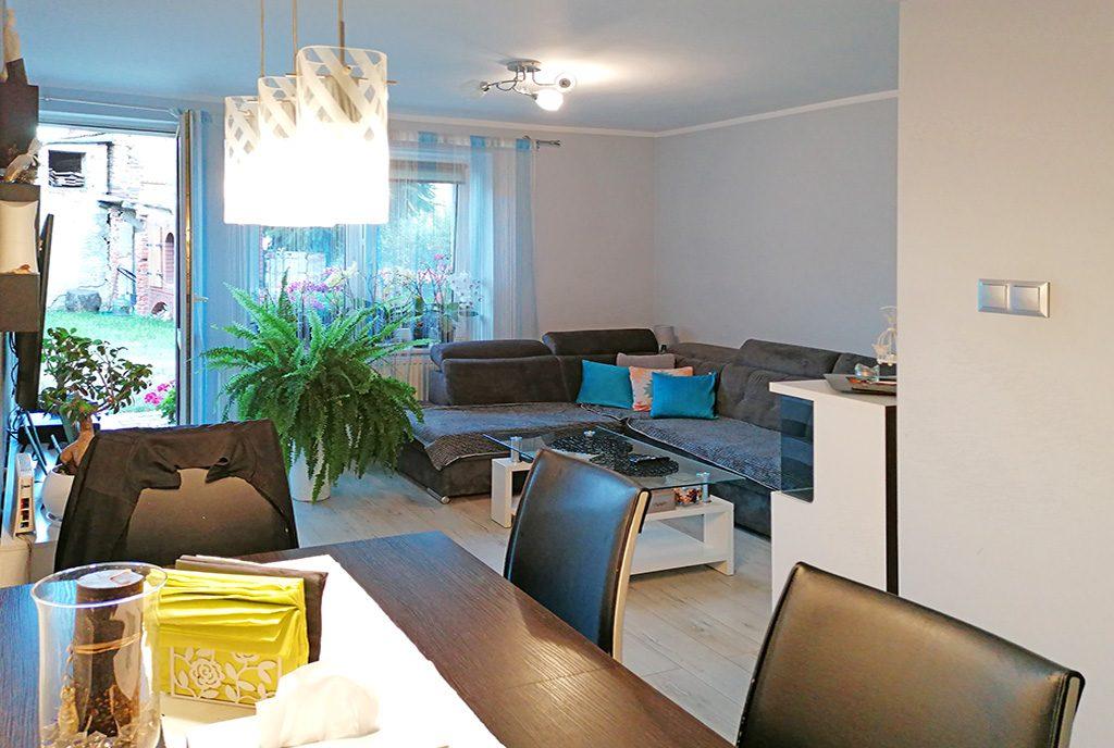 elegancki salon w ekskluzywnym apartamencie do sprzedaży Legnica (okolice)