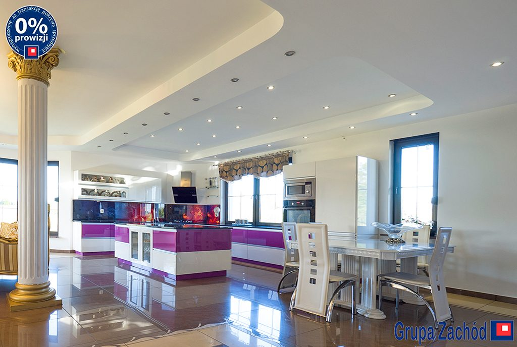 nowoczesna kuchnia z jadalnią w luksusowej willi na sprzedaż Gniezno (okolice)