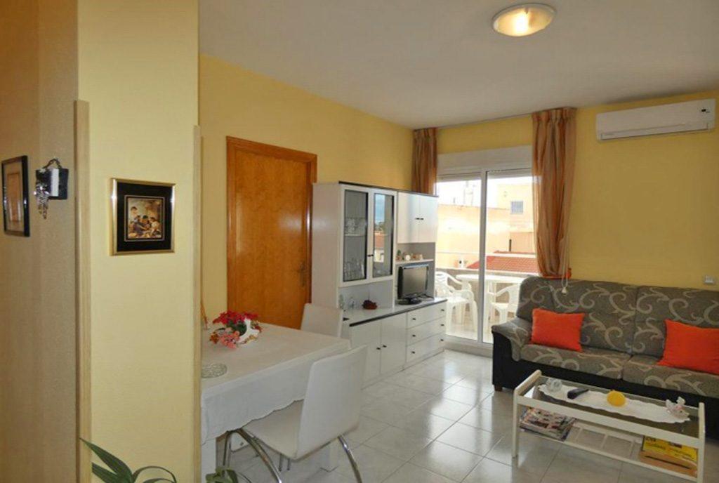słoneczne wnętrze luksusowego apartamentu na sprzedaż Hiszpania (Costa Blanca)