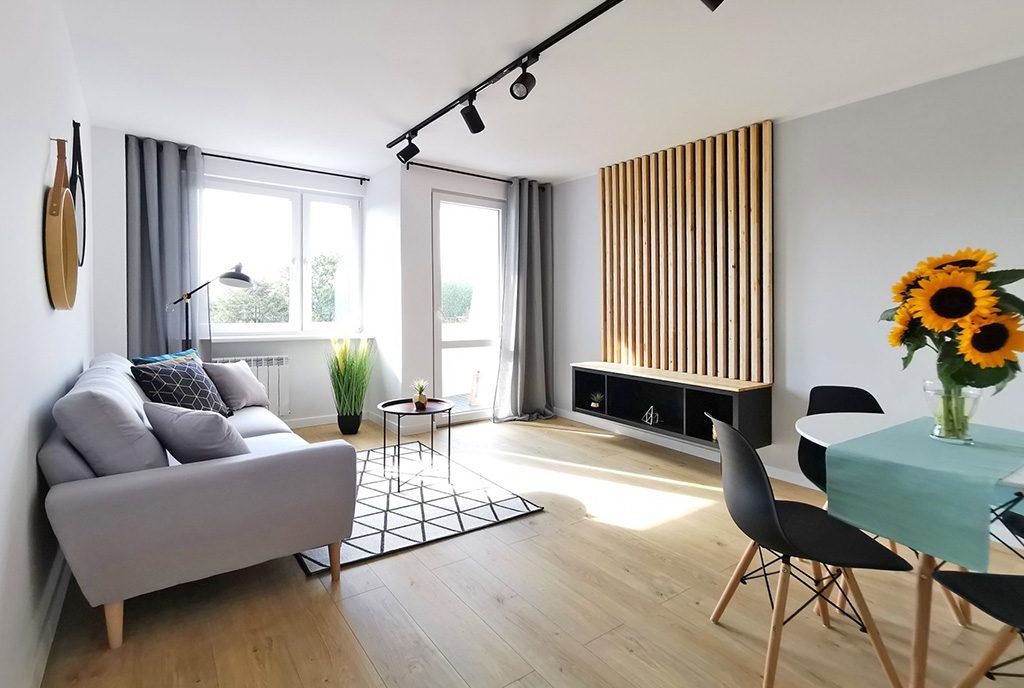 nowocześnie zaaranżowany salon w luksusowym apartamencie na sprzedaż Kwidzyn