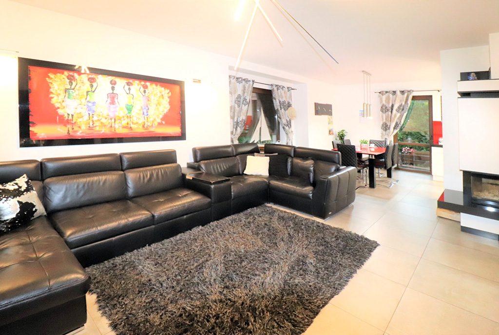 komfortowy salon w ekskluzywnej willi do sprzedaży Ustroń