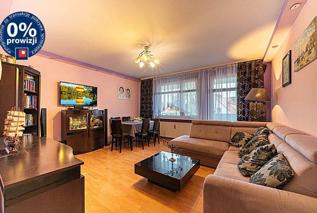 komfortowy pokój dzienny w ekskluzywnym apartamencie do sprzedaży Bolesławiec