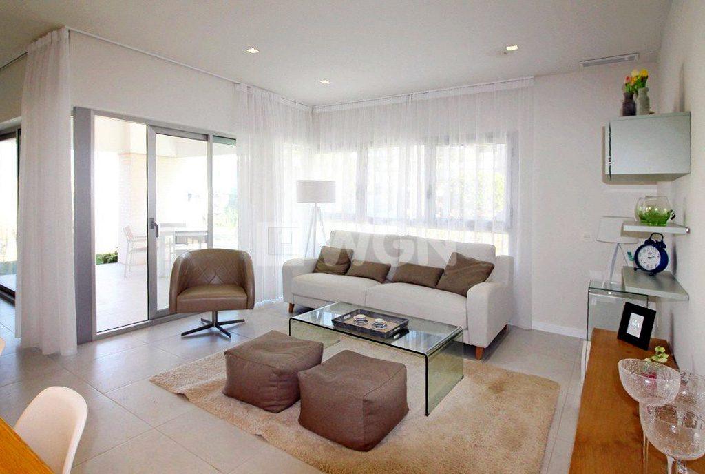 ekskluzywny pokój dzienny w luksusowym apartamencie na sprzedaż Hiszpania (Costa Blanca, Torrevieja, Mil Palmeras)