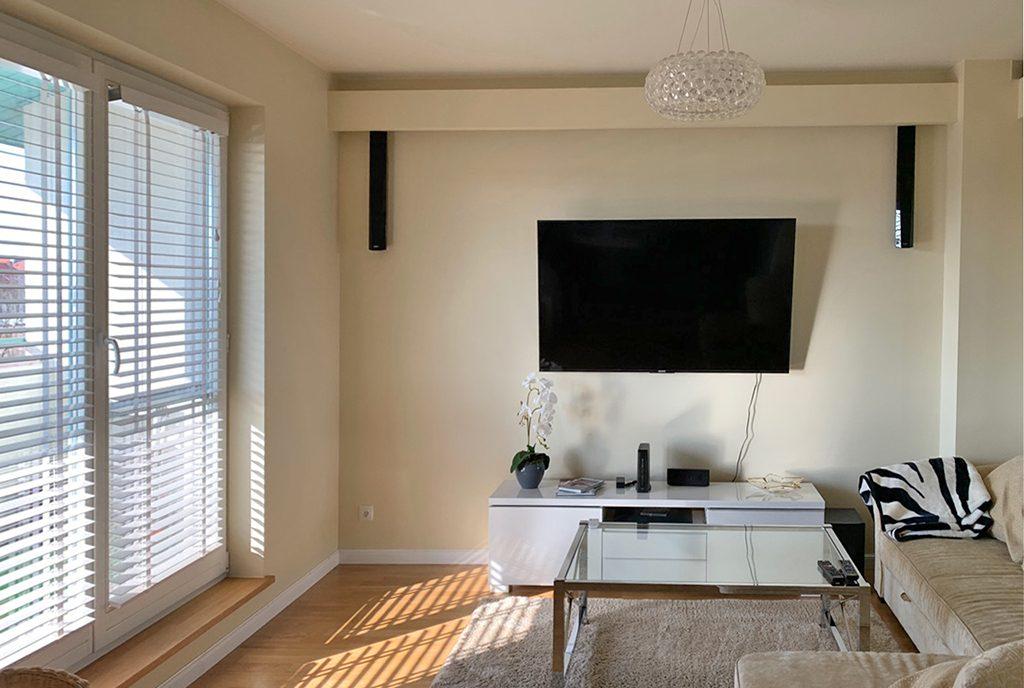 zbliżenie na pokój gościnny w luksusowym apartamencie do wynajmu Mazury