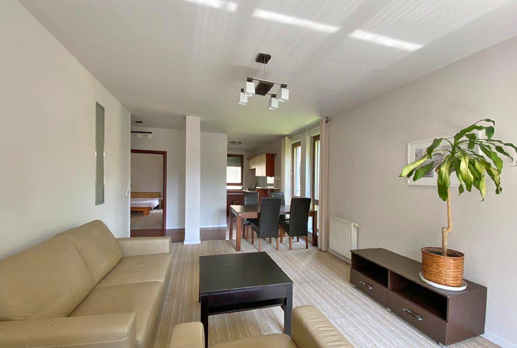 przestronne wnętrze luksusowego apartamentu do wynajęcia Szczecin