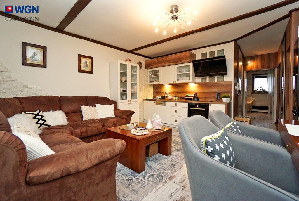 kameralny salon w ekskluzywnym apartamencie do sprzedaży Konin