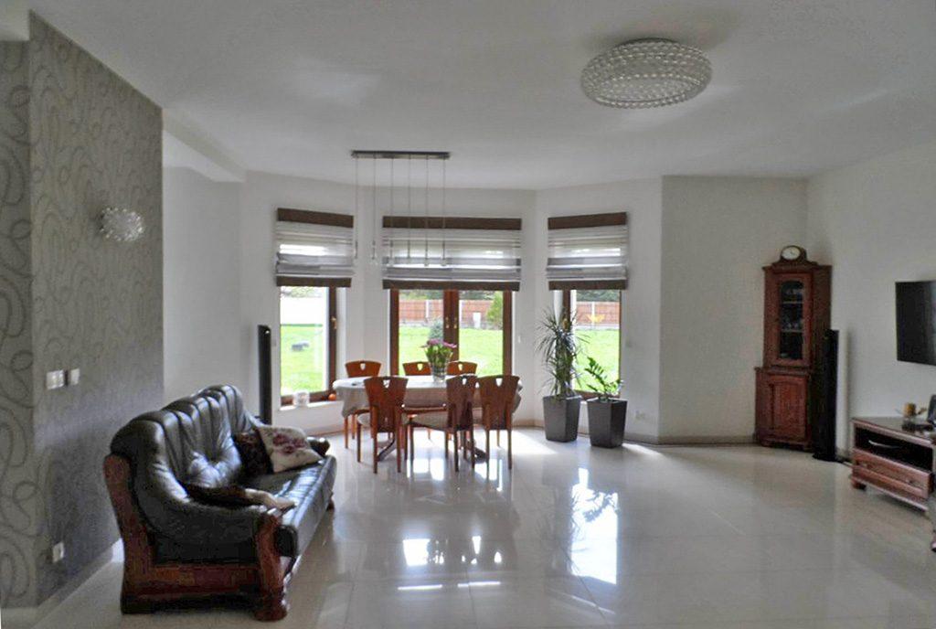 ogromny salon w luksusowej willi do sprzedaży Piotrków Trybunalski