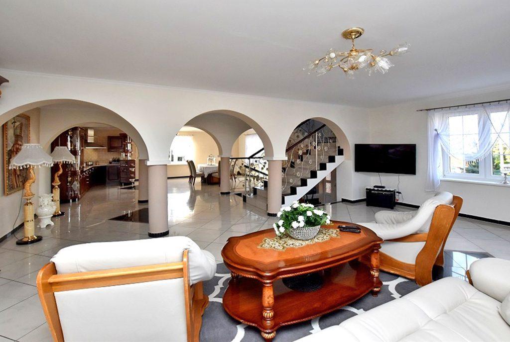 elegancki pokójj gościnny w ekskluzywnej willi do sprzedaży Inowrocław