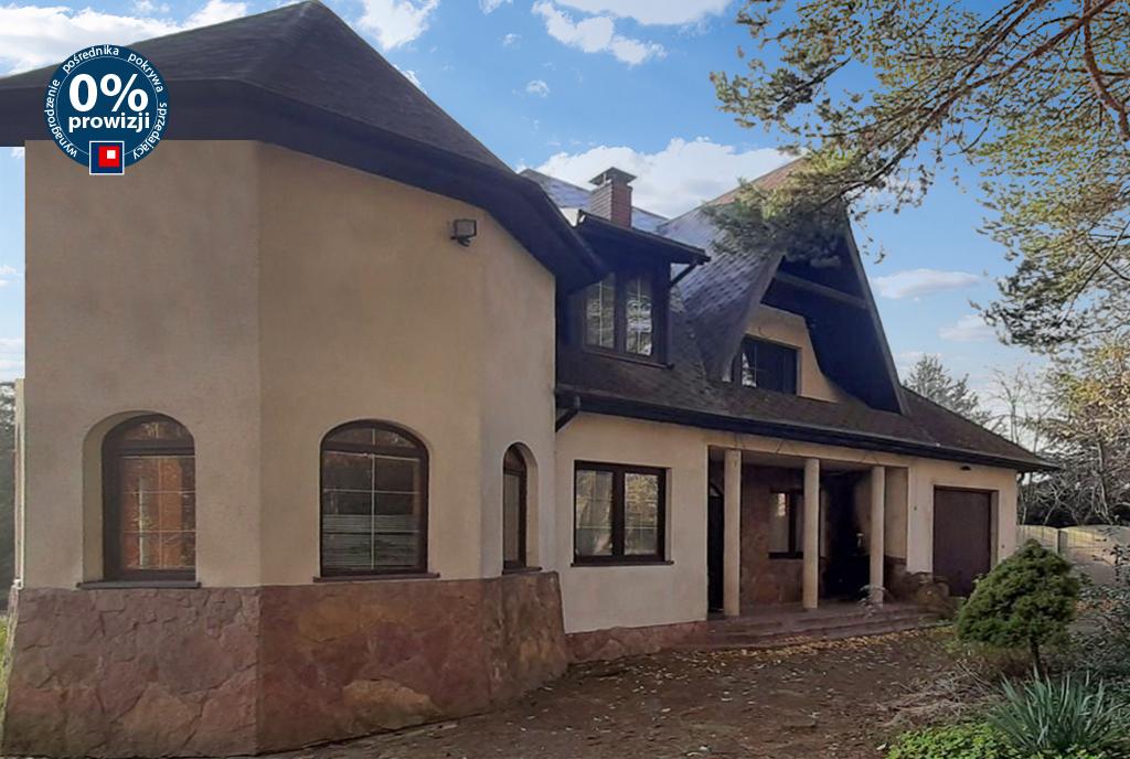 frontowa elewacja luksusowej willi na sprzedaż Łódź (okolice)
