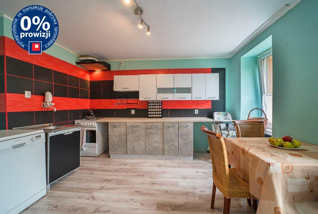 imponujące rozmachem wnętrze z jadalnią w ekskluzywnym apartamencie do sprzedaży Bolesławiec