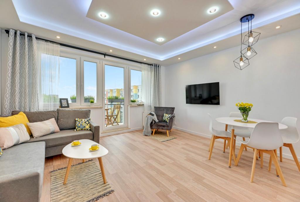 oryginalne oświetlenie salonu w luksusowym apartamencie na sprzedaż Gdańsk