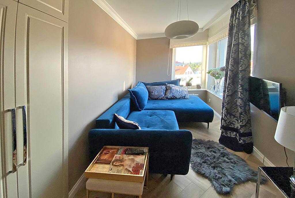 fragment salonu w ekskluzywnym apartamencie do sprzedaży Szczecin