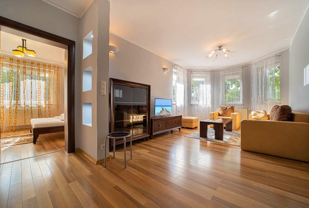 przestronne i wykończone w najwyższym standardzie wnętrze luksusowego apartamentu do wynajęcia Bolesławiec