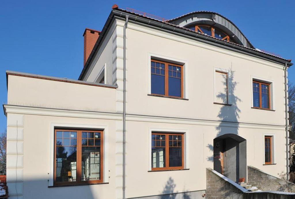 widok od przodu luksusowej willi do sprzedaży Szczecin